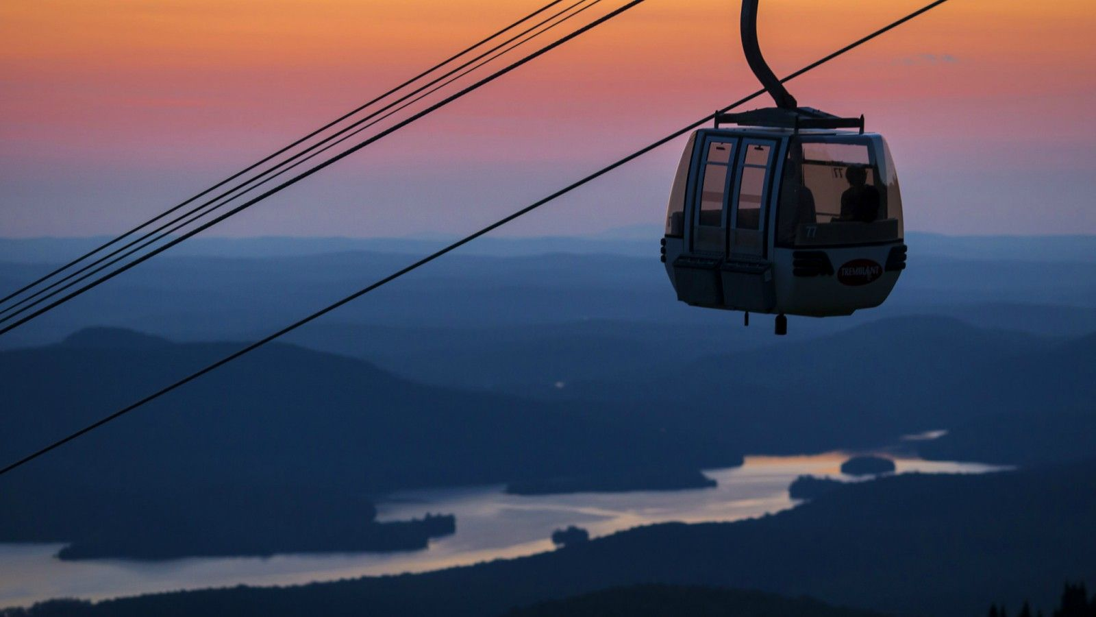 Things to do at Tremblant - Gondola